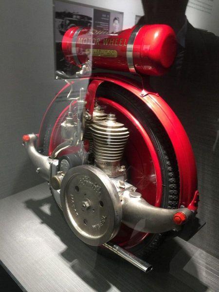 Первое механическое колесо